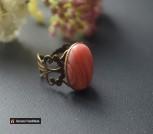 Кольцо с натуральным камнем: родохрозит