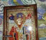 Икона Николая Чудотворца выложена стразами