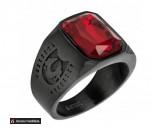 Перстень черный из ювелирной стали Красный кристалл