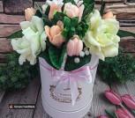 Букет  цветов из гардении и тюльпанов