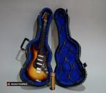 Декоративная мини-гитара