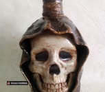 Бутылка декоративная 'Череп'